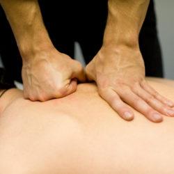 Спортивный силовой массаж, при болях в мышцах и спине