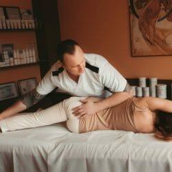 Преимущество массажа на боку